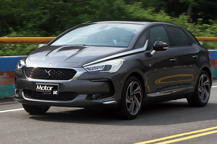 New DS 5 Performance Line